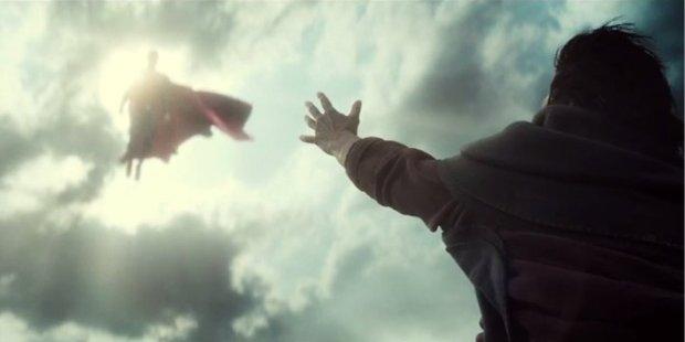 Batman-v-Superman-Superman-Flood-Scene.jpg