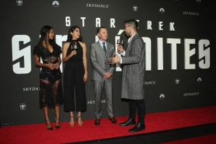"MEXICO CITY, MEXICO - AUGUST 30: Actress Zoe Saldana and actor Simon Pegg speak with host David Alfaro during the premiere of the Paramount Pictures title ""Star Trek Beyond"" at Cinemex Antara Polanco on August 30, 2016 in Mexico City, Mexico. (Photo by Victor Chavez/Getty Images for Paramount Pictures). *** Local Caption *** Zoe Saldana;Simon Pegg;David Alfaro"