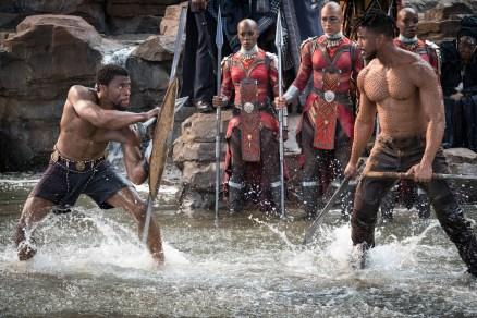 Marvel Studios' BLACK PANTHER L to R: T'Challa/Black Panther (Chadwick Boseman) and Erik Killmonger (Michael B. Jordan) Photo: Matt Kennedy ©Marvel Studios 2018