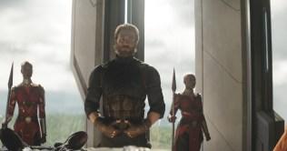 Marvel Studios' AVENGERS: INFINITY WAR..Captain America/Steve Rogers (Chris Evans) b/g Ayo (Florence Kasumba)..Photo: Film Frame..©Marvel Studios 2018