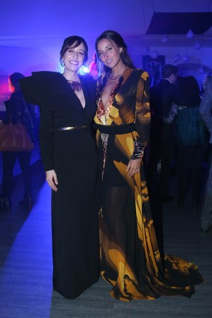 ClubDeCuervosS4_Party_06