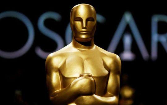 estatua del premio oscar