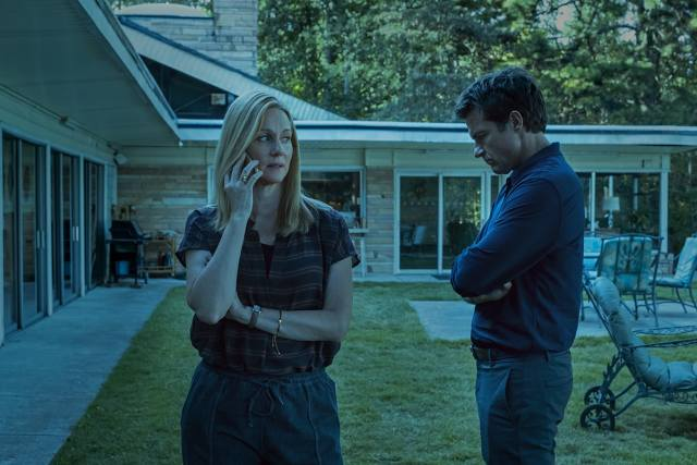 Laura Linney y Jason Bateman como Wendy y Marty Byrde