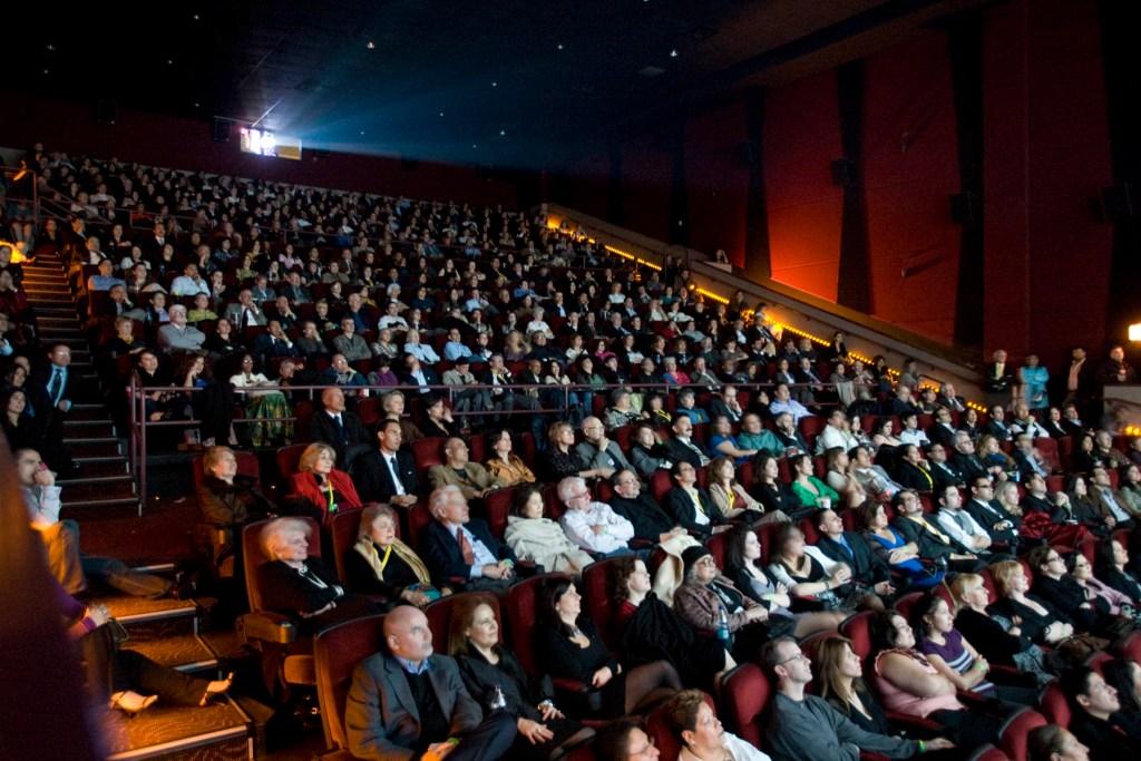 Medidas de seguridad para reapertura de cines
