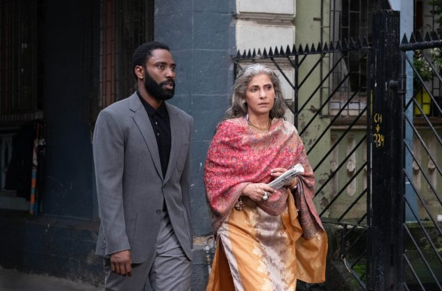 tenet-john-david-washington-dimple-kapadia-scaled