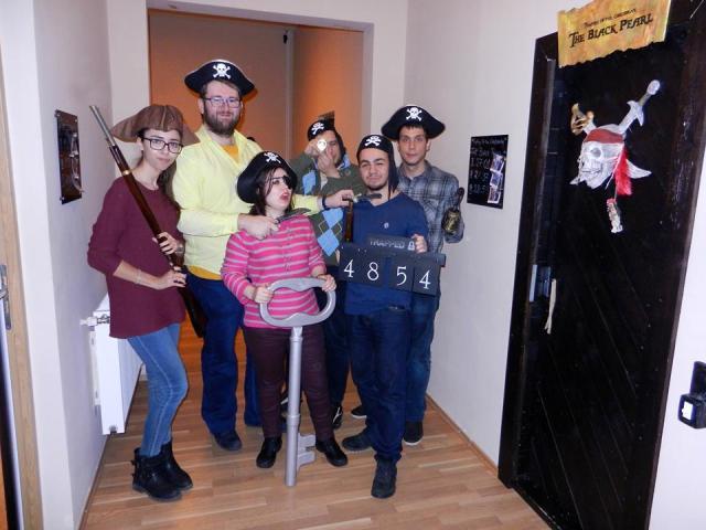 Piratii din Caraibe Black Pearl echipa
