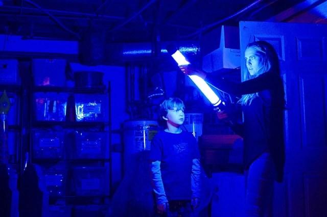 Nu stine Lumina Lights Out Neon