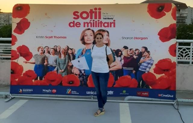 Raluca Uluiteanu la filmul Sotii de militari (Military Wives)