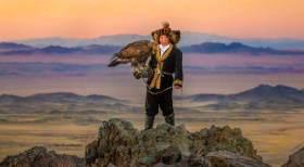 """La niña que cambió una tradición de 2 mil años; """"La cazadora de águilas"""""""