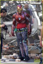 vingadores_guerrainfinita_iron-man-wears-his-armor-in-new-avengers-infinity-war-set-photos-05