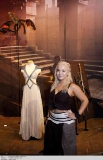L'exposition Game of Thrones Paris, présentée par OCS et HBO. Les fans de Game of Thrones visitent l'exposition.