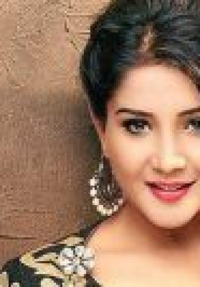 Cute & Lovely Sakshi Agarwal