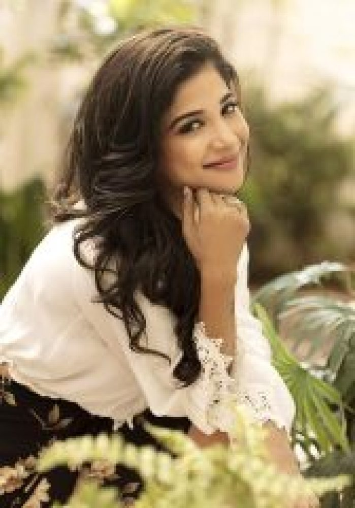 Cute & Lovely Sakshi Agarwal
