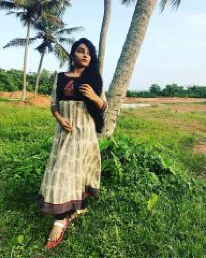 Rajisha Vijayan in Black & White Chudi