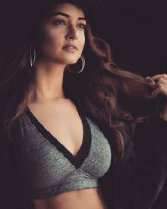 sexy Shanvi Srivastava