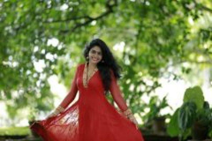 Nimisha Sajayan in chudithar