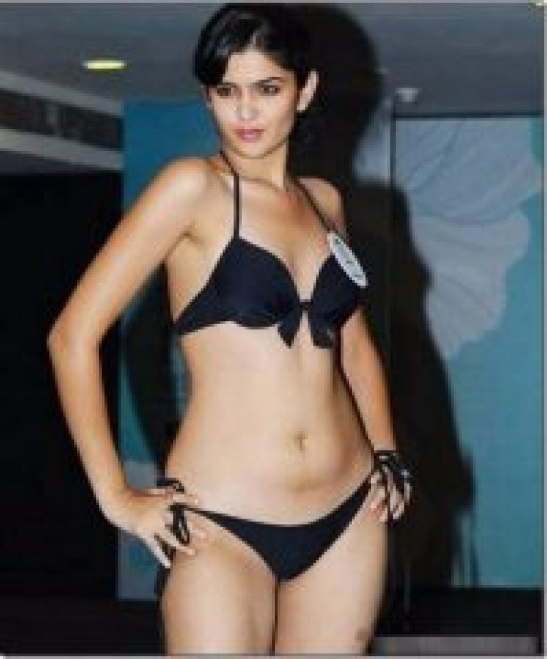 deeksha seth unseen photo