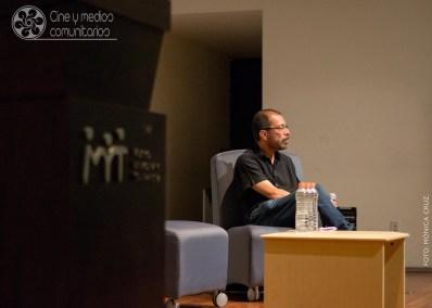 Dr. Carlos Y. Flores en MICVI.