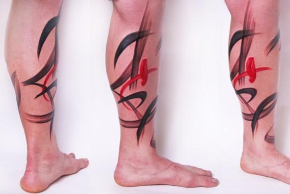 Tatuaje en las piernas de Amanda Wachob