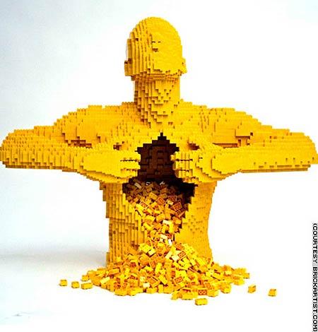 Escultura hecha con legos