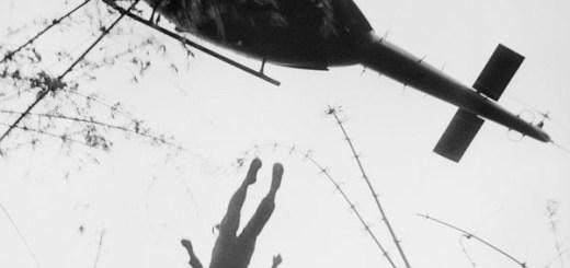 Paracaidista muerto en acción