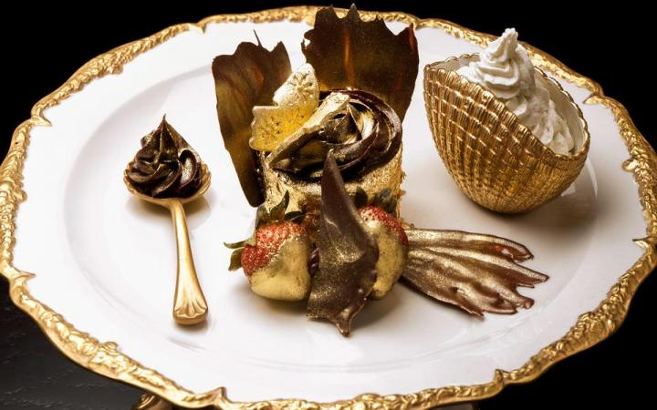 The Golden Phoenix Cup Cake