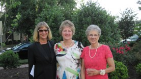 mom of groom, karen, with her two sisters beth (left) and marcia (center)