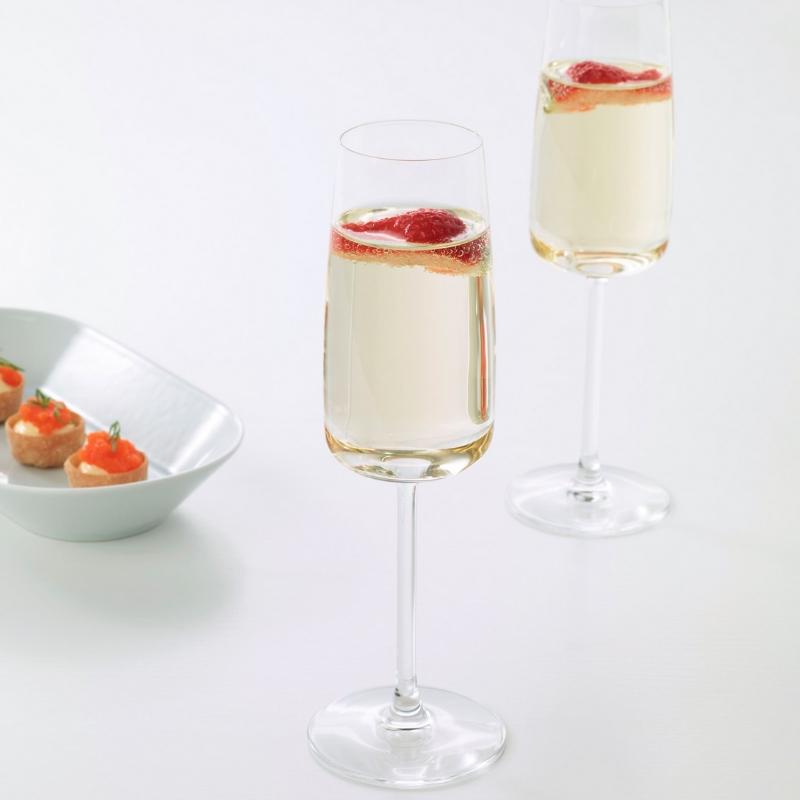 Şampanya kadehi