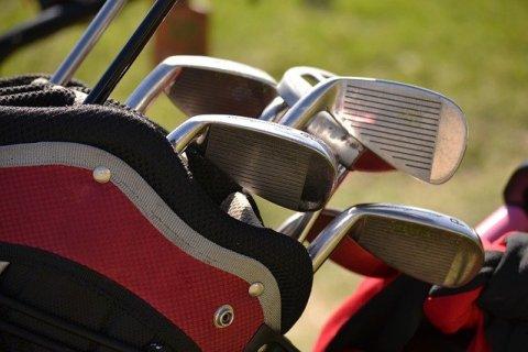 demi serie de golf