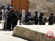 al-Aqsa - occupation forces in formation shooting at worshippers. Ma'an