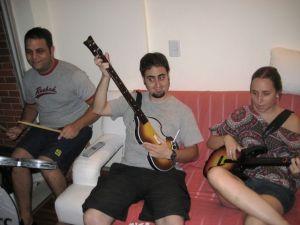 Maridão e meus irmãos de Ringo, Paul e George. Ninguém foi o John dessa vez...