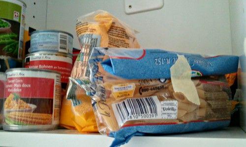 Fita crepe para selar pacotes de alimentos na cozinha ou despensa.