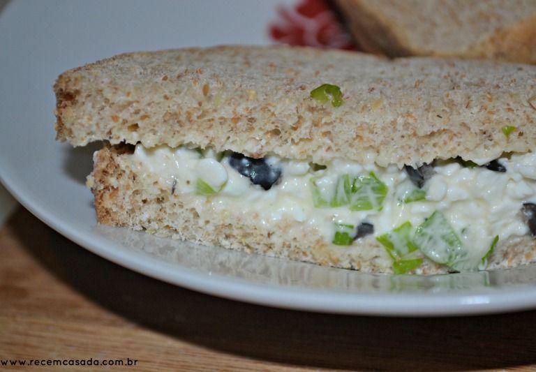 Patê light de queijo cottage, azeitona e cebolinha
