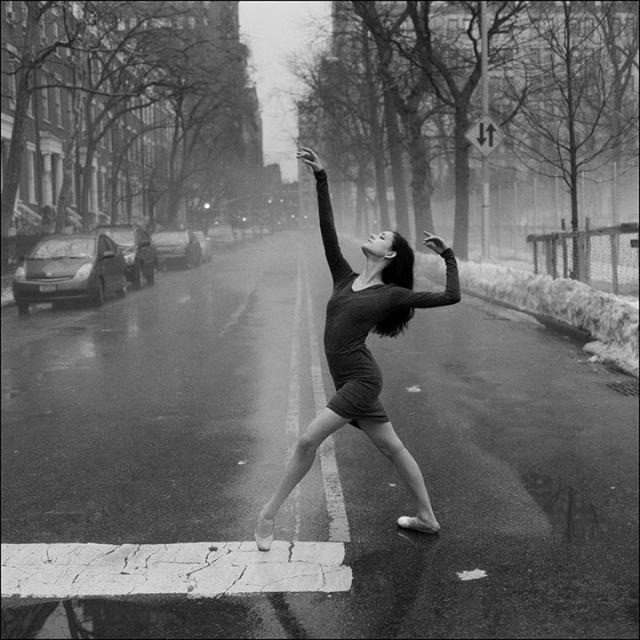 Ballerina Project: bailarina na chuva.