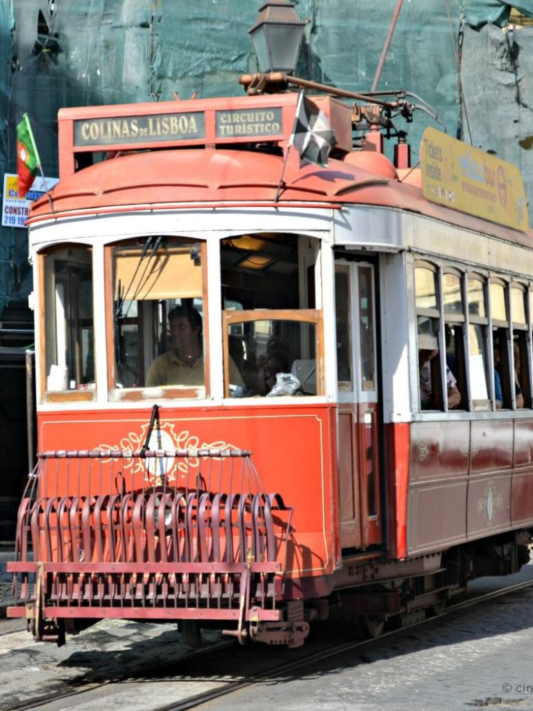 Lisbon, Portugal: useful information and maps