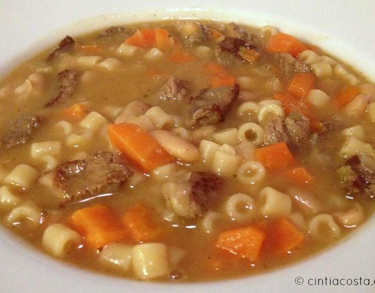 Receita de sopa de feijão com carne, cenoura e macarrão