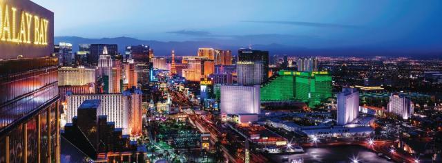 Vista panorâmica de Las Vegas do rooftop do hotel Mandalay Bay. Foto: Visit Las Vegas.