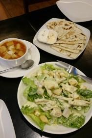 Caesar salad. Một nhà hàng nào đó ở Nepo Court. Tác giả quên mất rồi hehe!