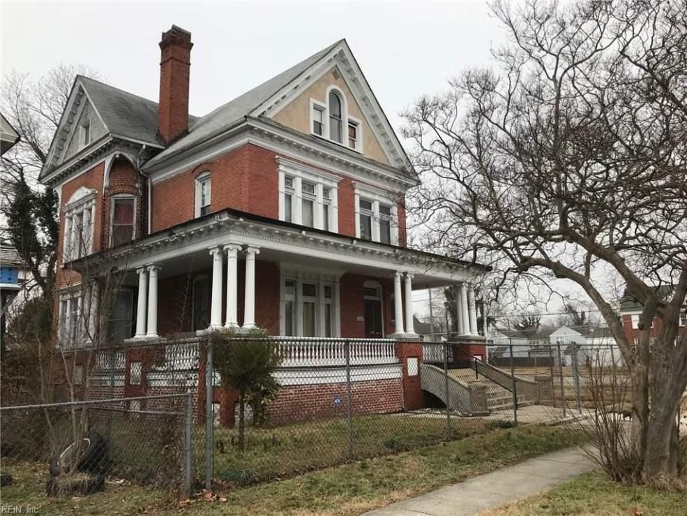 1900 Victorian Fixer-Upper In Newport News Virginia