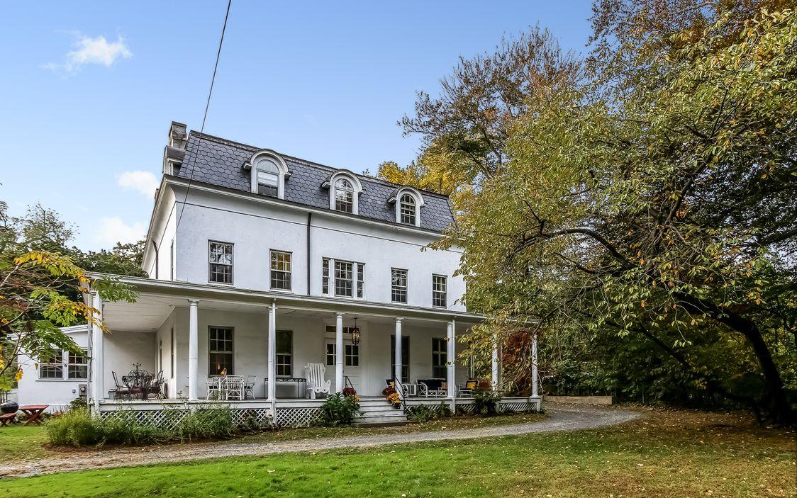 New York 1850 Colonial Farmhouse