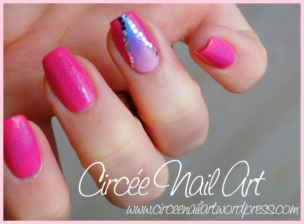 Nail art triangle galactique (6/6)