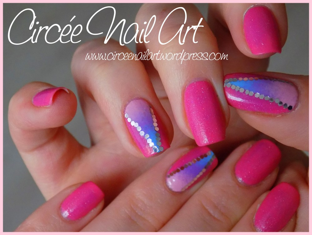 Nail art triangle galactique (5/6)