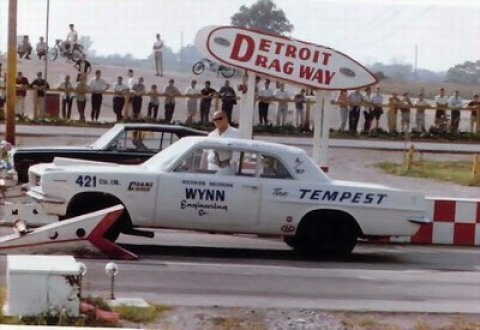 1963_Pontiac_LeMans_Tempest_Super_Duty_Detroit_Dragway_1