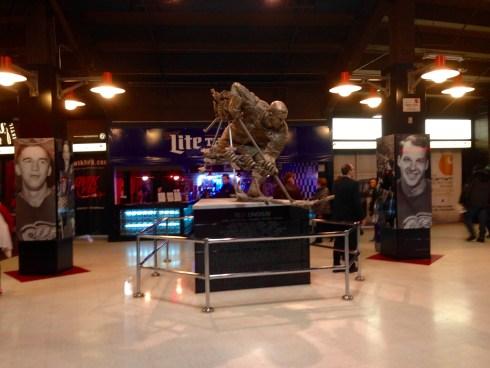 Ted Lindsay Sculpture