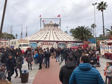 Entrada del Circo Raluy en Barcelona