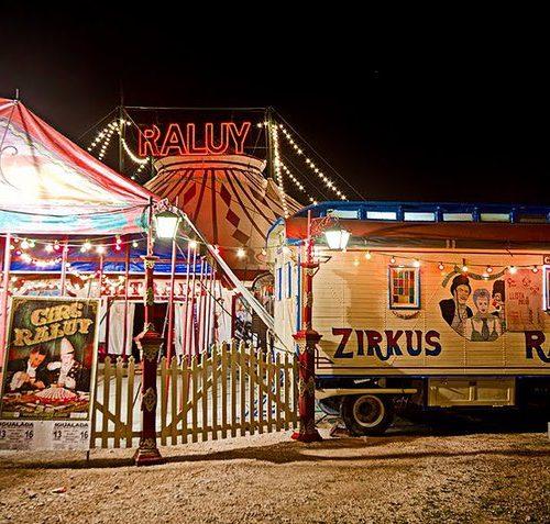 Carromatos del Circo Raluy y entrada