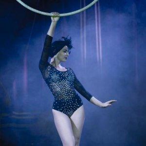 Circo Raluy. Miss Raquel. Aro aéreo