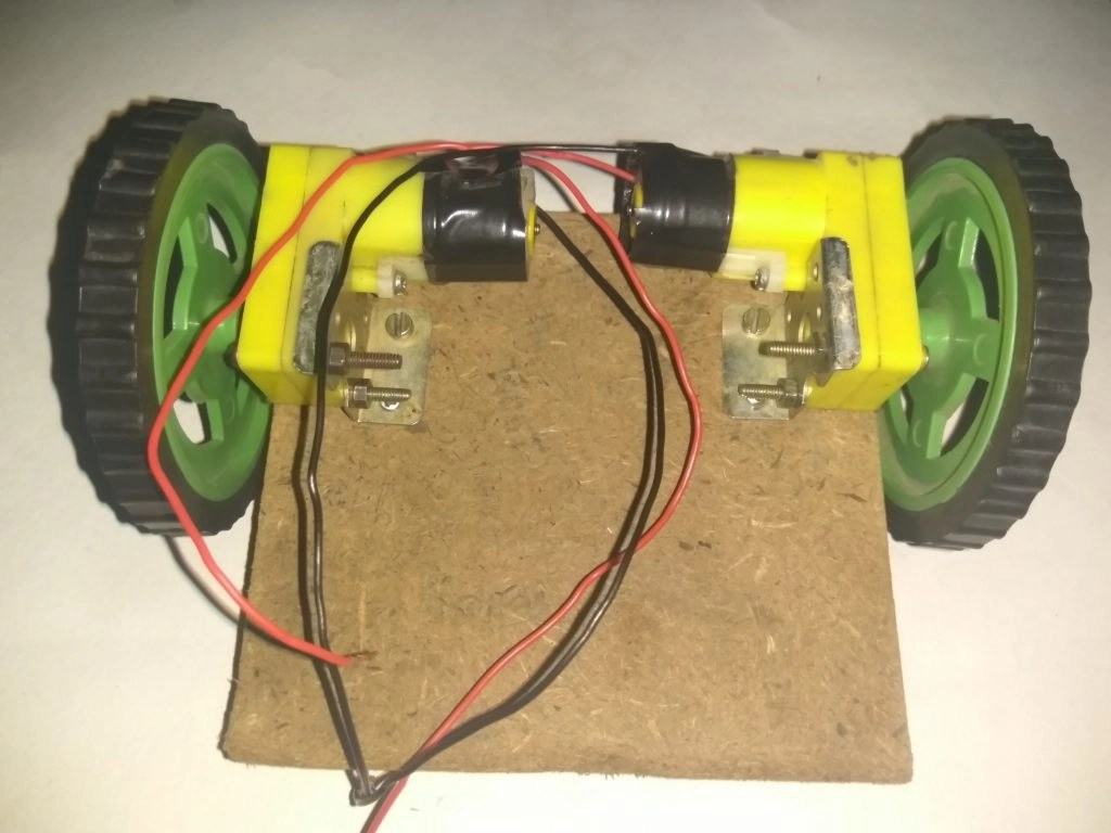 Making of a Simple Line Follower Robot with Arduino step 2