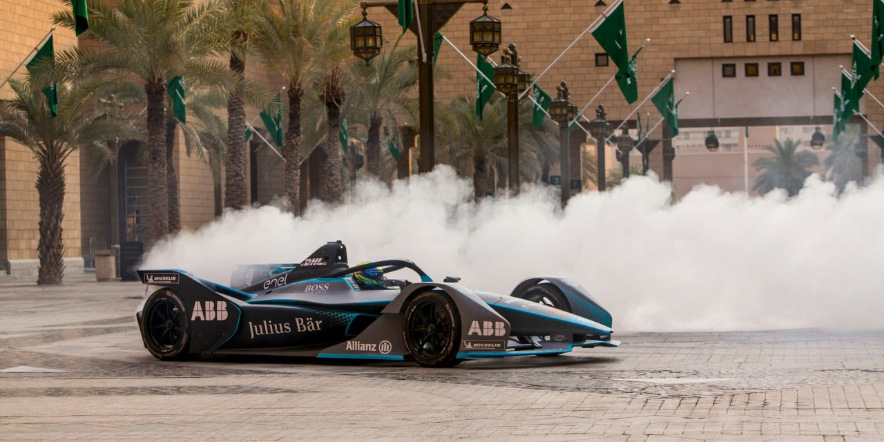 Saudi: Felipe Massa drives the first all-electric lap in Saudi Arabia to launch 'Saudia Ad Diriyah E-Prix' in December