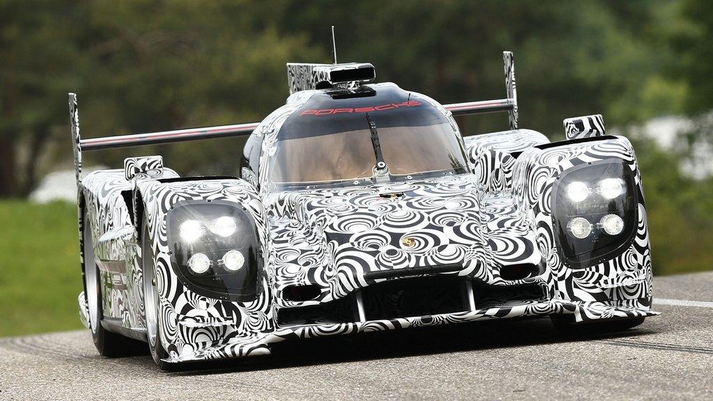 Porsche: Successful rollout for new Porsche LMP1 sports prototype
